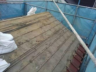 屋根葺き替えでしか下地補修ができない