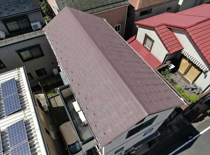 過去に塗装がしてあるスレート屋根の点検