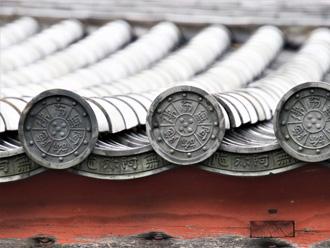 本瓦葺では丸瓦と平瓦が使われる