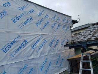 外壁に透湿性のルーフィングを設置