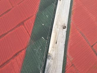 台風19号で貫板の片方が飛散していました