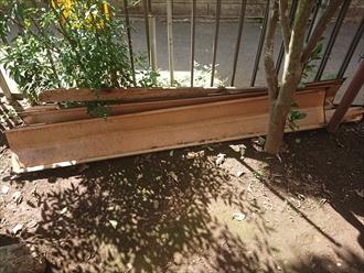 庭先に落下していた棟板金は集めて置きます