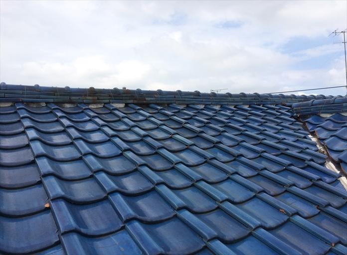 瓦屋根は定期的に点検が必要です