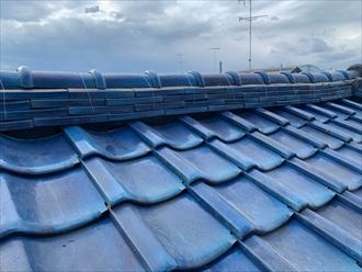 海老名市大谷南で瓦屋根の不具合、棟瓦を束ねる銅線が切れていたので棟瓦取り直し工事で直しました