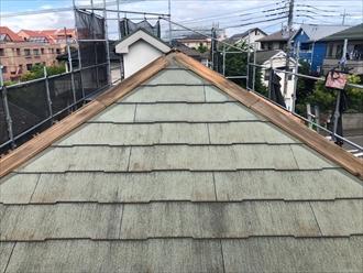 寒川町大蔵でスレート屋根のメンテナンス、棟板金を交換して台風対策しましょう