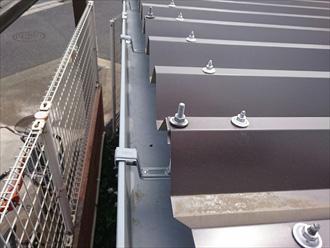 ガルバリウム鋼鈑の折半屋根