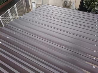 ガルバリウム鋼鈑の折半屋根(全体)
