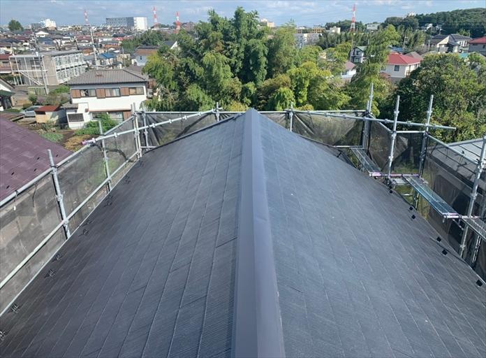 スレート屋根のメンテナンスとして棟板金交換工事