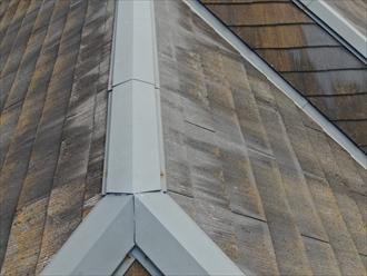 鎌倉市佐助でスレート屋根をドローン撮影、棟板金の釘抜けが確認できました
