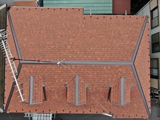 大和市中央林間で傷んだスレート屋根のメンテナンス、オークリッジスーパー(テラコッタブレンド)へ屋根カバー工法