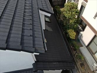 梯子が架けられない屋根をドローンで調査
