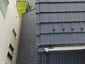 梯子が架けられない屋根をドローンで点検