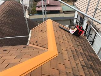 海老名市上今泉でスレート屋根のメンテナンス、釘が抜けてきたので棟板金交換工事を行いました