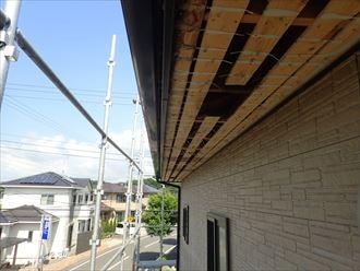 軒天張り替え 古い軒天材を撤去