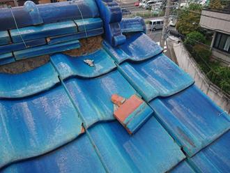 神奈川区神大寺にて瓦屋根の調査を行い棟瓦取り直し工事と雪止め金具設置をご提案しました