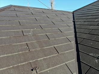 横浜市鶴見区朝日町で塗装されたスレートのひび割れ、屋根全体のメンテンナンスが必要でした