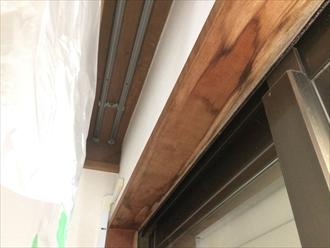 木枠に雨漏りの形跡