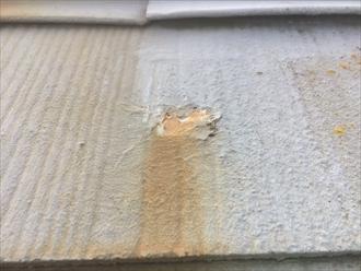 スレートの表面に塗装された塗膜の劣化