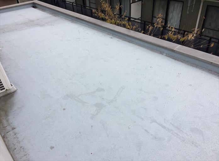 屋上がFRP防水層で造られている