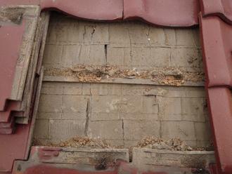 瓦屋根 下地の状態を確認