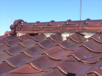 漆喰が無くなっている瓦屋根