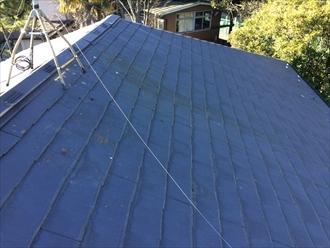 傷んだスレート屋根は屋根全体のメンテナンスが必要です