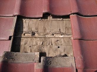 川崎市多摩区中野島で雨漏りしている瓦葺き屋根は葺き直し工事で下地から直します