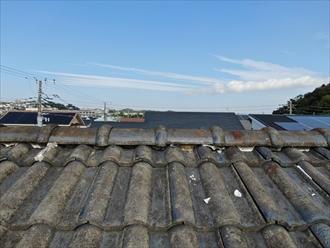 横浜市緑区長津田で瓦屋根のメンテナンス、セメント瓦の棟瓦取り直し工事を行いました
