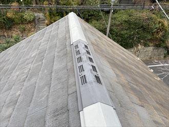 同じお住まいの屋根でも向きが違うだけで汚れ具合も違います