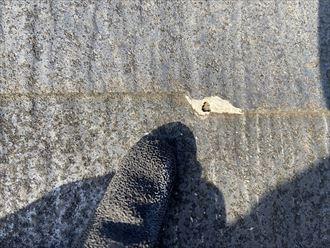 川崎市川崎区大島でスレート屋根の調査を行い、屋根全体のメンテナンス工事をご提案