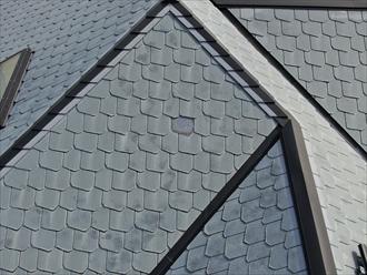 スレート屋根が破損