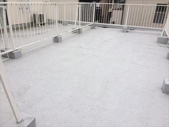 マンション陸屋根の防水層を点検