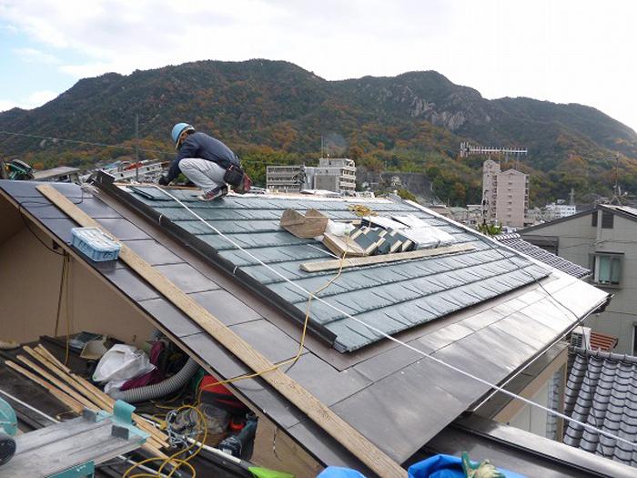 軽量瓦で屋根工事