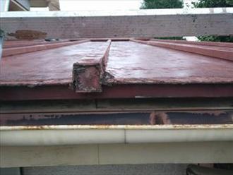 金属屋根材は錆る