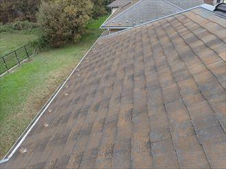 滑りやすい屋根材