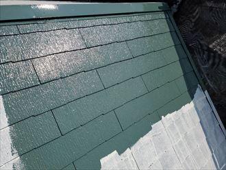 グリーンに塗装したスレート屋根