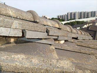 セメント瓦の棟崩れ
