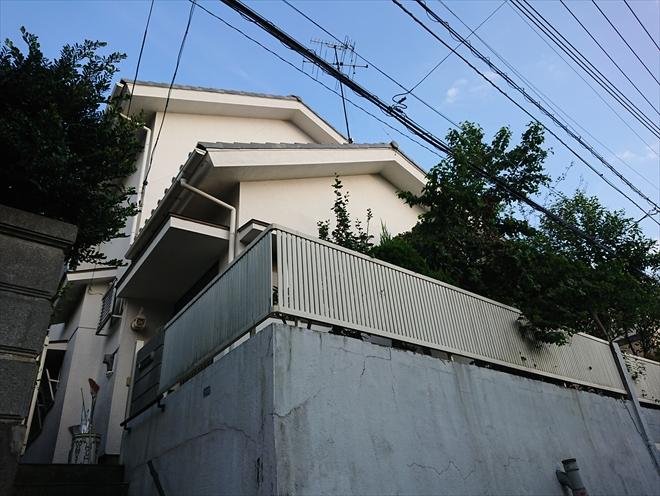 高台に建っていた瓦が使われたお住まい