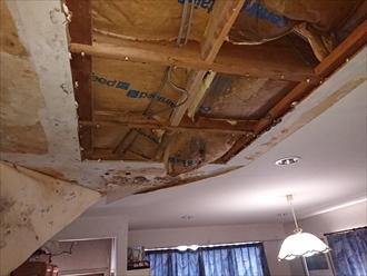 室内天井が抜け落ちるほどの雨漏り