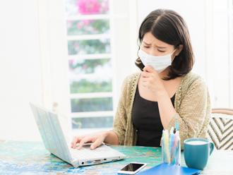 カビなどを吸い込むと気管支炎などを引き起こす