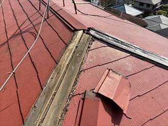 板金が被さっていた木材も傷んでいます