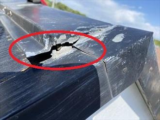 シーリング材の劣化により隙間が出来ています