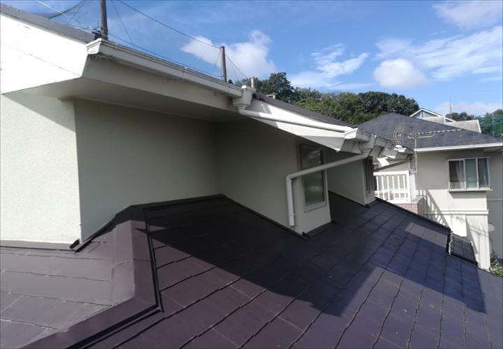破風板の傷みが見られたお住いの屋根