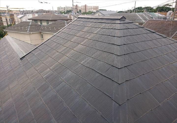 塗膜の劣化したスレート屋根