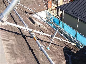急勾配時の屋根足場