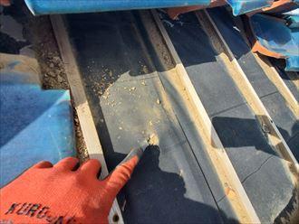 防水紙の穴あき