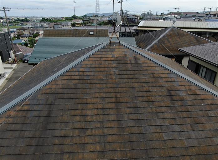 スレート屋根の不具合をチェック