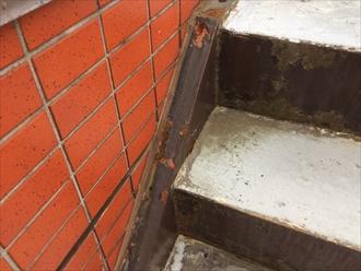 鉄骨階段は鉄部だけのメンテナンスでは足りません