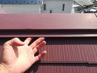 屋根との隙間が発生している棟板金