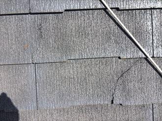 亀裂やひび割れの見られるスレート
